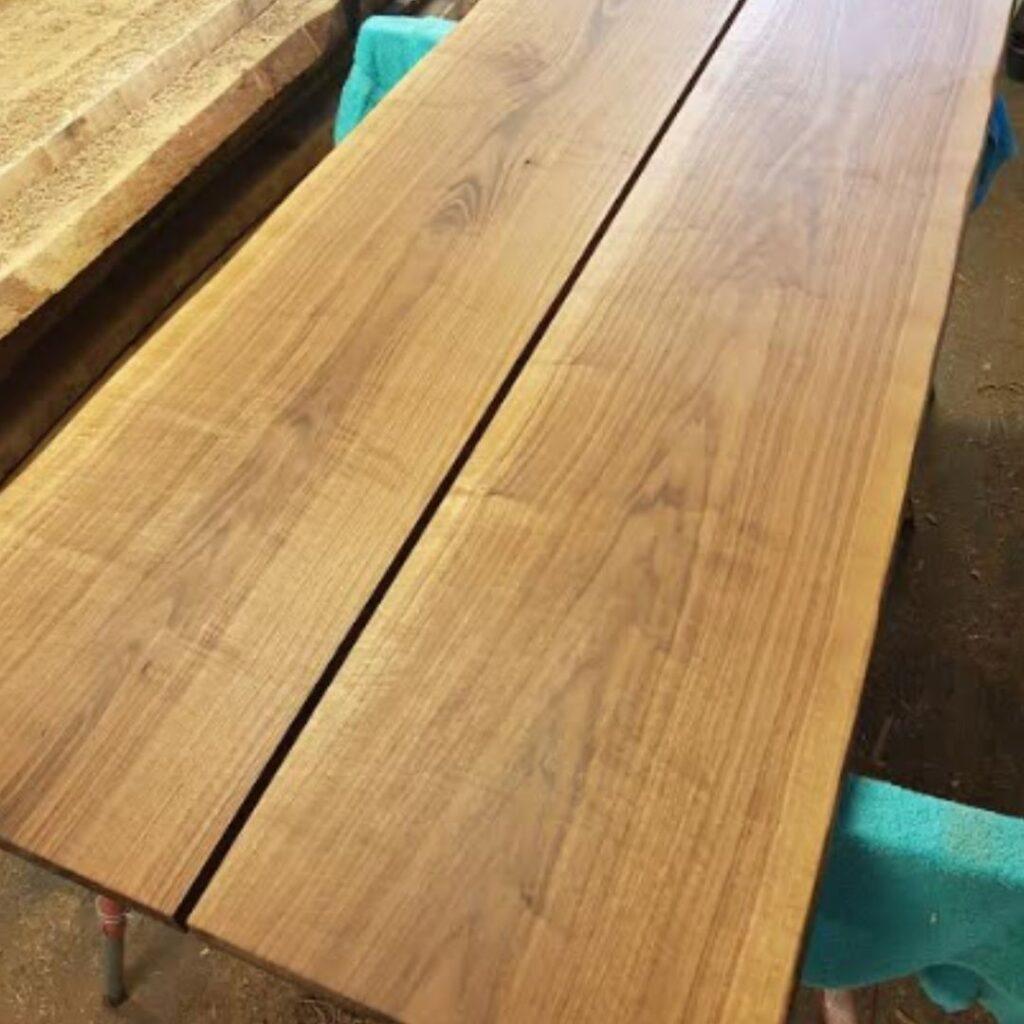 plankebord-i-amerikansk-valnoed