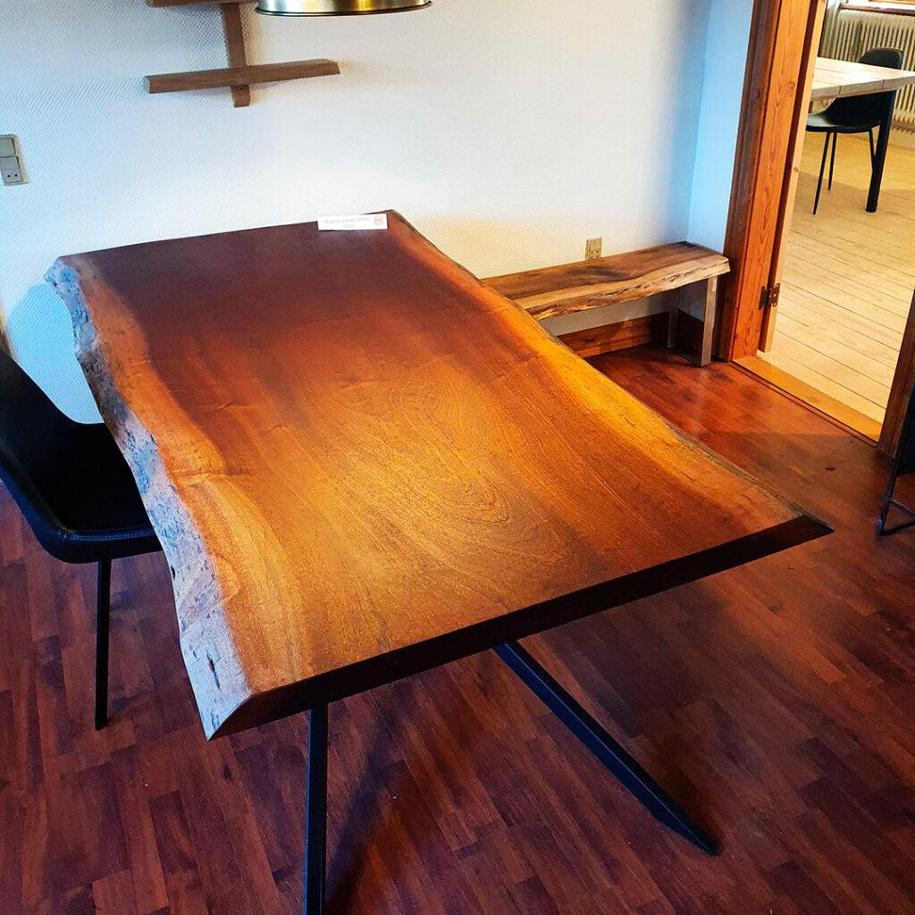 wood-by-work-showroom